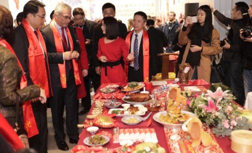 La Comunidad ayuda a los ciudadanos de origen chino de la región para facilitar su integración