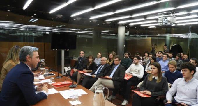 La Comunidad conecta a los mejores expedientes académicos y al tejido empresarial para retener el talento en la región