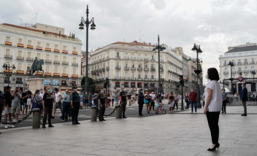 La Comunidad de Madrid dedica a Castilla-La Mancha el minuto de silencio en memoria de las víctimas del COVID-19