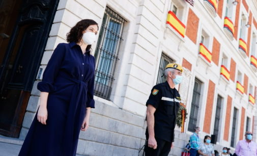 La Comunidad de Madrid homenajea a las Fuerzas Armadas en el minuto de silencio de hoy en memoria a las víctimas del COVID-19