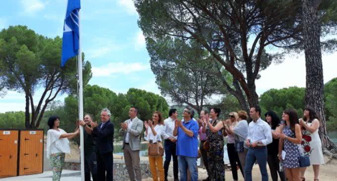 La Comunidad de Madrid luce ya su primera Bandera Azul en San Martín de Valdeiglesias