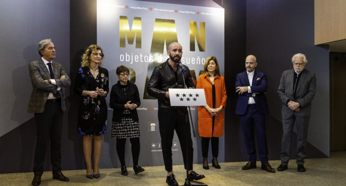 La Comunidad de Madrid muestra el mundo onírico y enigmático de Man Ray, maestro del surrealismo