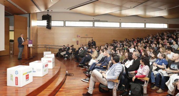 La Comunidad de Madrid multiplica por tres la oferta de cursos online de formación del profesorado
