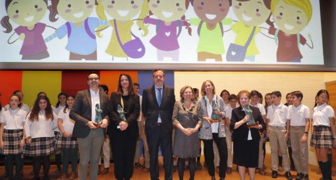 La Comunidad de Madrid premia el trabajo a favor de la infancia y la defensa de sus derechos en la región