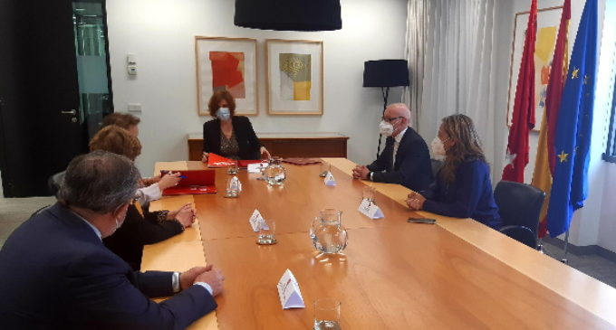 La Comunidad firma un convenio de colaboración con el Colegio Oficial de Graduados Sociales de Madrid