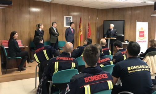 La Comunidad homenajea a los bomberos que han destacado por su conducta ejemplar