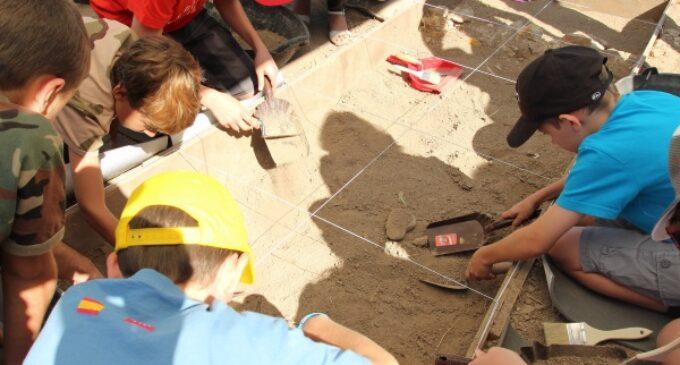 La Comunidad pone en marcha la cuarta edición del programa educativo 'Arqueólogos por un día'
