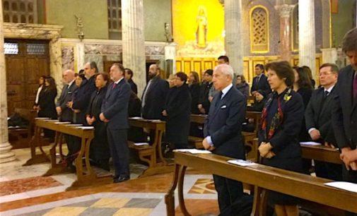 Mons. Gallagher: la mediación en el conflicto de Beagle demuestra que la paz se puede lograr si hay voluntad política