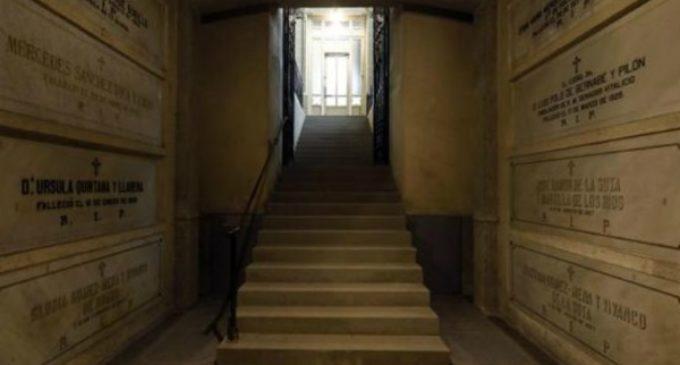 La cripta en la que los pobres no pagan