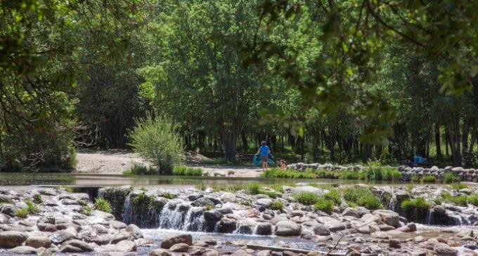 La Comunidad cuenta con cuatro zonas naturales aptas para el baño, con agua de calidad y segura