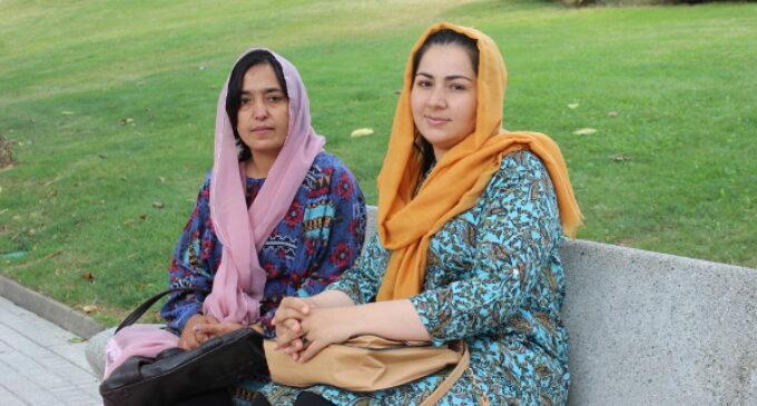 Las mujeres que no quieren los talibanes: La periodista Khadija Amin y la activista Massouda Kohistani, refugiadas en España, narran cómo escaparon de Afganistán tras verse amenazadas
