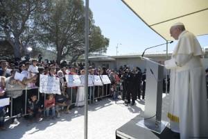 SS. Papa Francesco - Viaggio a Lesbo 16-04-2016 @Servizio Fotografico - L'Osservatore Romano