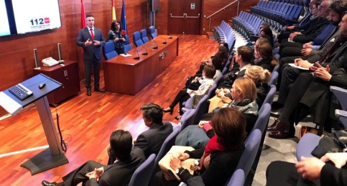 Los cónsules de la UE visitan el Centro regional de Emergencias Madrid 112