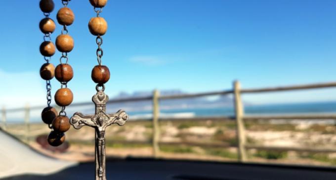 """Monseñor Auza: """"Los cristianos podrían desaparecer de Oriente Medio"""""""