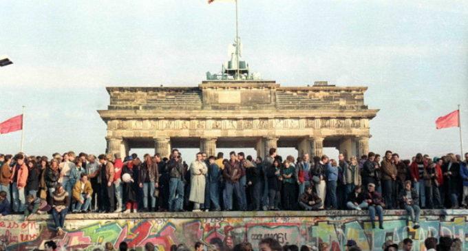 Los obispos europeos piden un «diálogo renovado» 30 años después de la caída del Muro