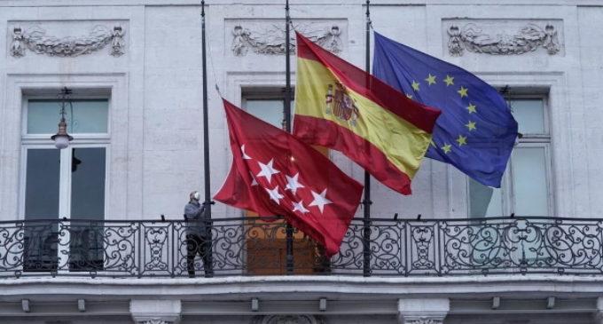 Díaz Ayuso decreta la declaración de luto oficial en la Comunidad de Madrid por los fallecidos del COVID-19