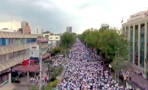 Cientos de miles de personas se manifiestan en México a favor de la familia