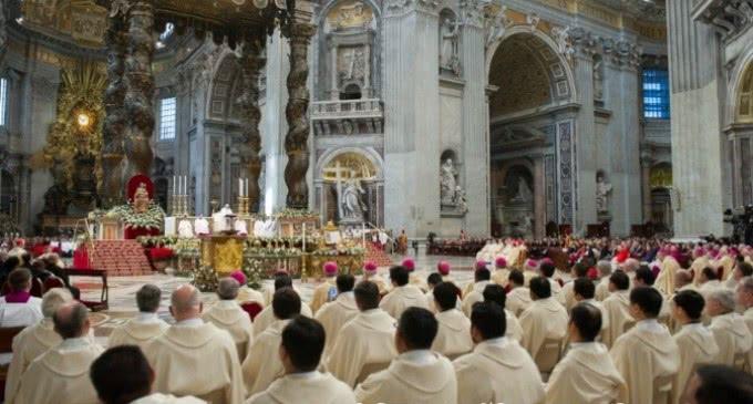 Francisco: «No se puede entender a Jesús sin su Madre»