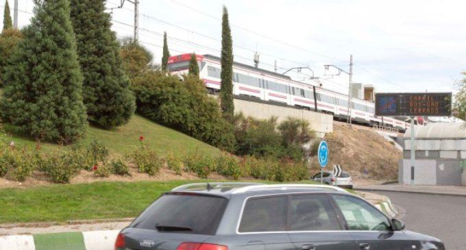 El Ayuntamiento estudia alternativas para mejorar el tráfico en la rotonda de la estación