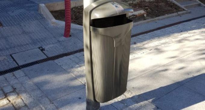 Majadahonda: El Ayuntamiento instala papeleras con cenicero en la Gran Vía