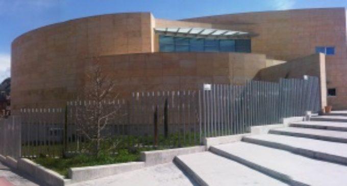 El Consistorio mejorará el exterior de la Biblioteca Francisco Umbral