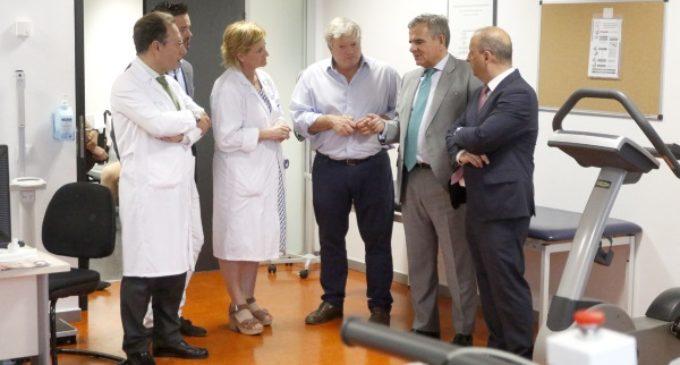 Los pacientes del servicio de Rehabilitación del Hospital Puerta de Hierro ya usan las máquinas donadas por Físico