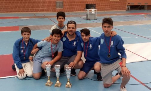 El joven majariego Luis Díaz se proclama campeón regional de esgrima