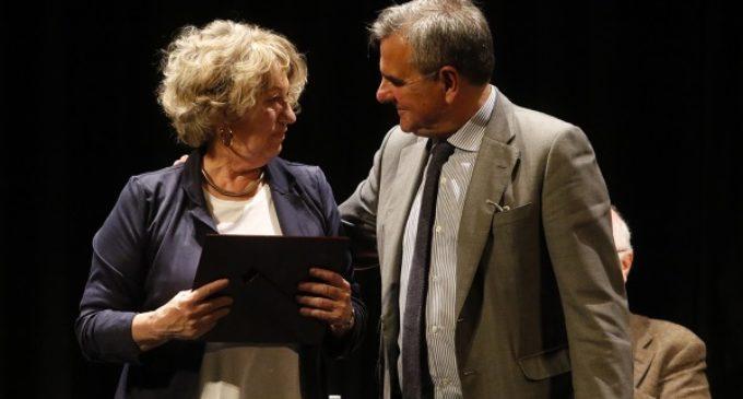 María Antonia Velasco recoge el Premio de Poesía Blas de Otero de Majadahonda