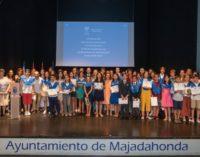 El Ayuntamiento premia la excelencia  académica de 49 alumnos de Majadahonda