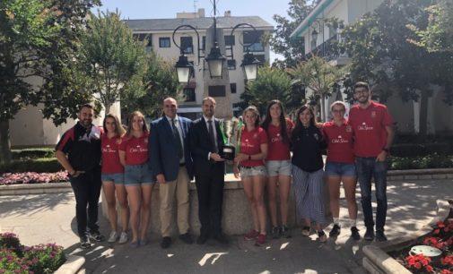 Majadahonda: El alcalde recibe al equipo femenino de Rugby 7, ganadora de la Copa Reina