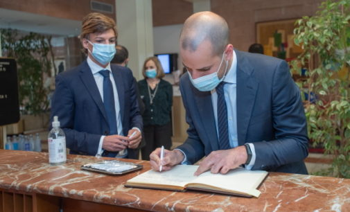Álvarez Ustarroz agradece la generosidad del Hotel Majadahonda durante la crisis