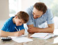 El taller de deberes comienza ofreciendo refuerzo a más de un centenar de escolares