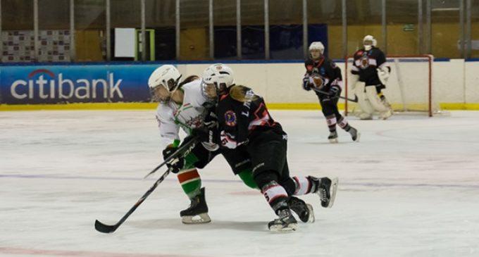 El equipo femenino de Hockey Hielo se alza con la Liga y la Copa de la Reina