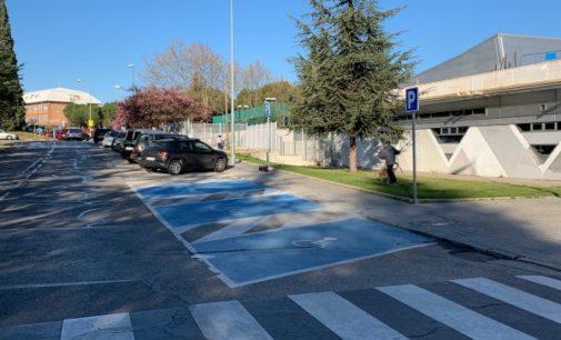 Majadahonda: El Ayuntamiento ilumina pasos de peatones y crea más plazas de estacionamiento para personas con movilidad reducida