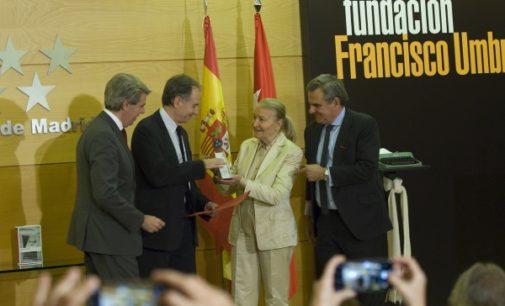 """Antonio Soler recoge el Premio Umbral al Libro del Año por """"Sur"""""""