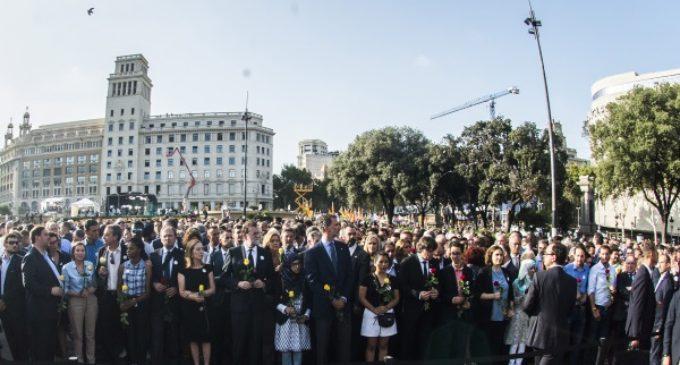 Cifuentes apela a la unidad para plantar cara al terrorismo