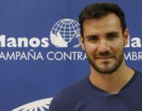 Saúl Craviotto viaja a Mozambique para conocer y participar en los proyectos educativos de Manos Unidas