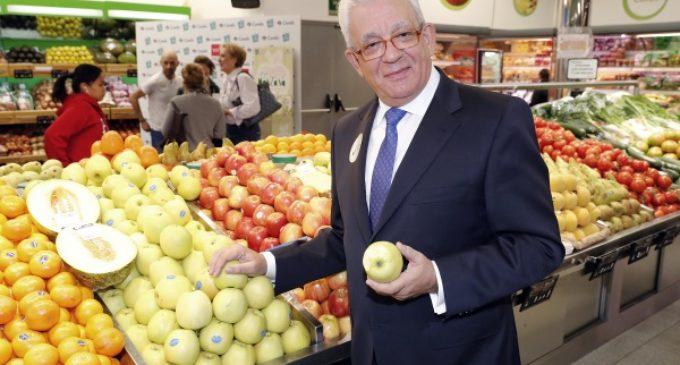 """Sánchez Martos compra """"manzanas solidarias"""", cuya recaudación se destina a un Centro de Rehabilitación Integral"""