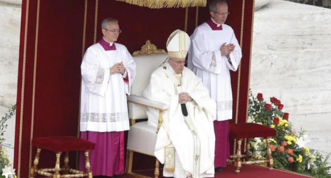 El Papa canoniza a cuatro nuevos santos y recuerda el drama de Tierra Santa