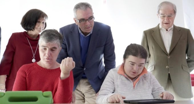 Más de 5 millones al año destina la Comunidad de Madrid para atención a personas adultas con autismo