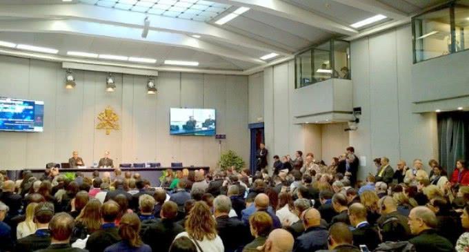 La reforma de los medios de comunicación del Vaticano concluirá en el 2018