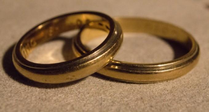 El Papa Francisco instituye una mesa de trabajo sobre nulidad matrimonial