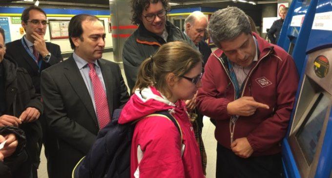 Los empleados de la red de Metro recibirán formación para mejorar la atención a personas con discapacidad intelectual