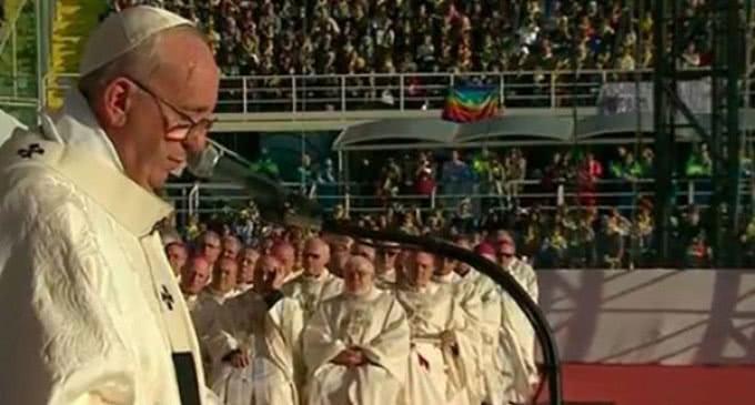Un humanismo con el rostro de la caridad, dice el Papa en la misa celebrada en Florencia