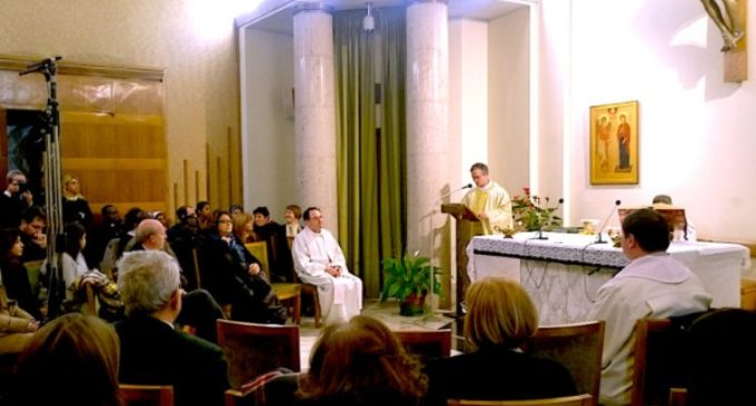 Monseñor Viganò a los periodistas: 'No fomentar las divisiones sino la cultura del encuentro'