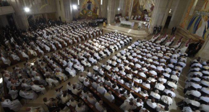 """JMJ. Francisco al clero y religiosas de Polonia: """"El discípulo no rechaza hacerse preguntas"""""""