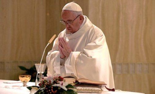 Francisco celebra una misa por las víctimas del terremoto de Amatrice