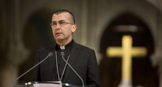 El Arzobispo de Mosul, Mons. Emil Nona, solicita ayuda para los refugiados que huyen de los yihadistas