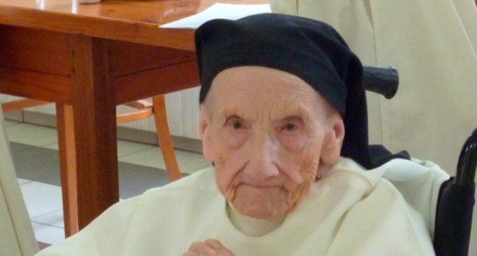 Muere con 110 años la religiosa más anciana del mundo. Se pasaba el día rezando el rosario