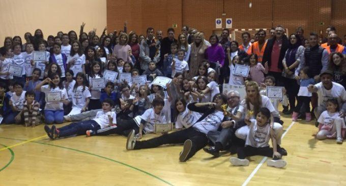 Sánchez Martos asiste a la competición de natación solidaria para concienciar sobre la Distrofia Muscular de Duchenne